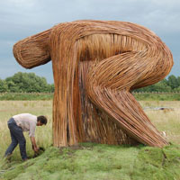 beelden van griendhout. WILLOW SCULPTURE